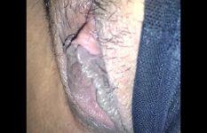 Lambendo a buceta carnuda da safada até ela gozar