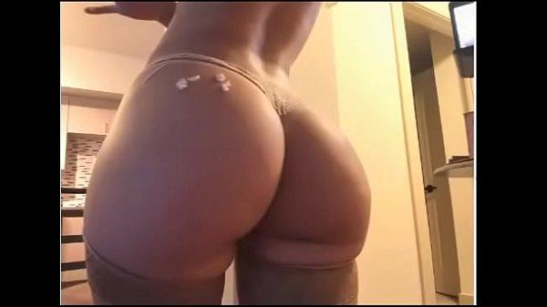 Novinha tirando nudes e mandando no zap zap